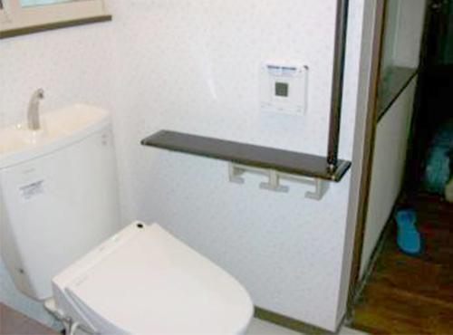 トイレはTOTOの節水型をご採用いただきました。