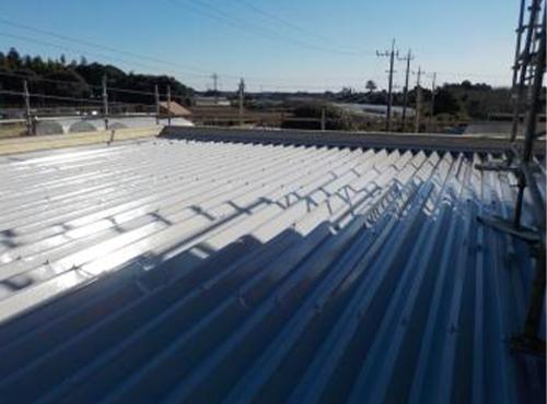 きれいにかつ、遮熱効果の高い屋根塗装が完了しました。