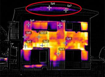 こちらはサーモグラフィーの画像です。目地シール部分が明らかにおかしな色をしています。