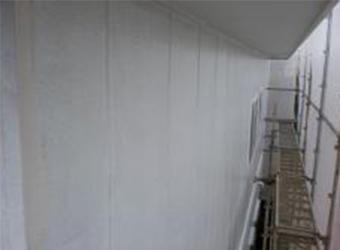 外壁部分も下塗りが完了しました。
